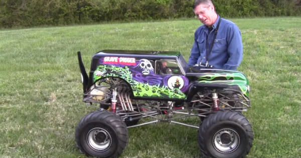 Gas Powered RC Grave Digger! MUST WATCH This Thing In
