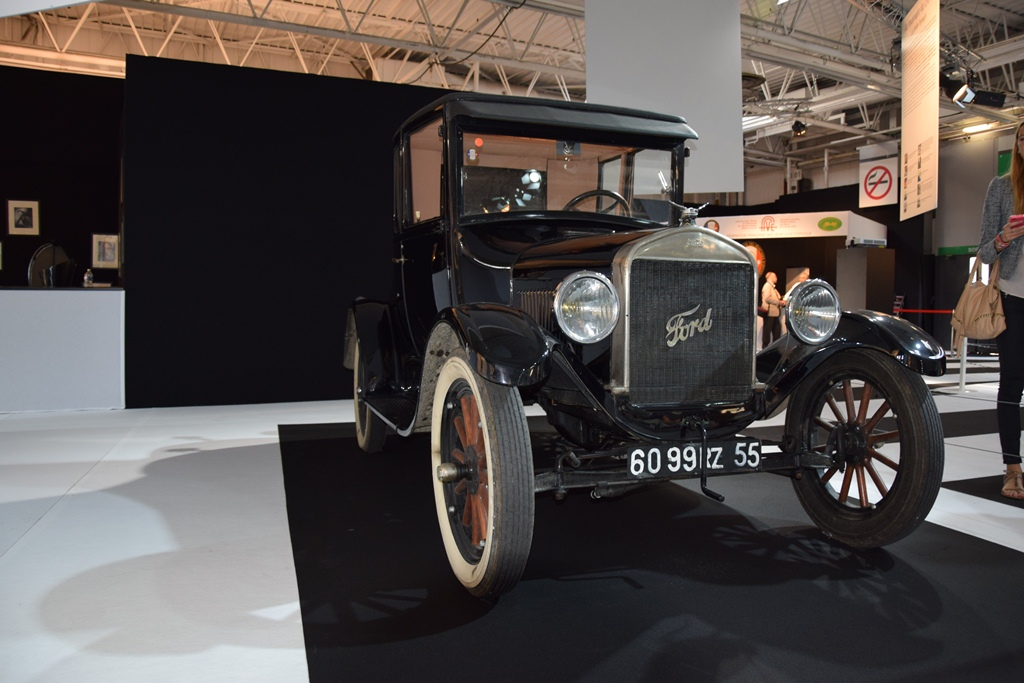 1925 ford model t coupe paris motor show 2014 12. Black Bedroom Furniture Sets. Home Design Ideas