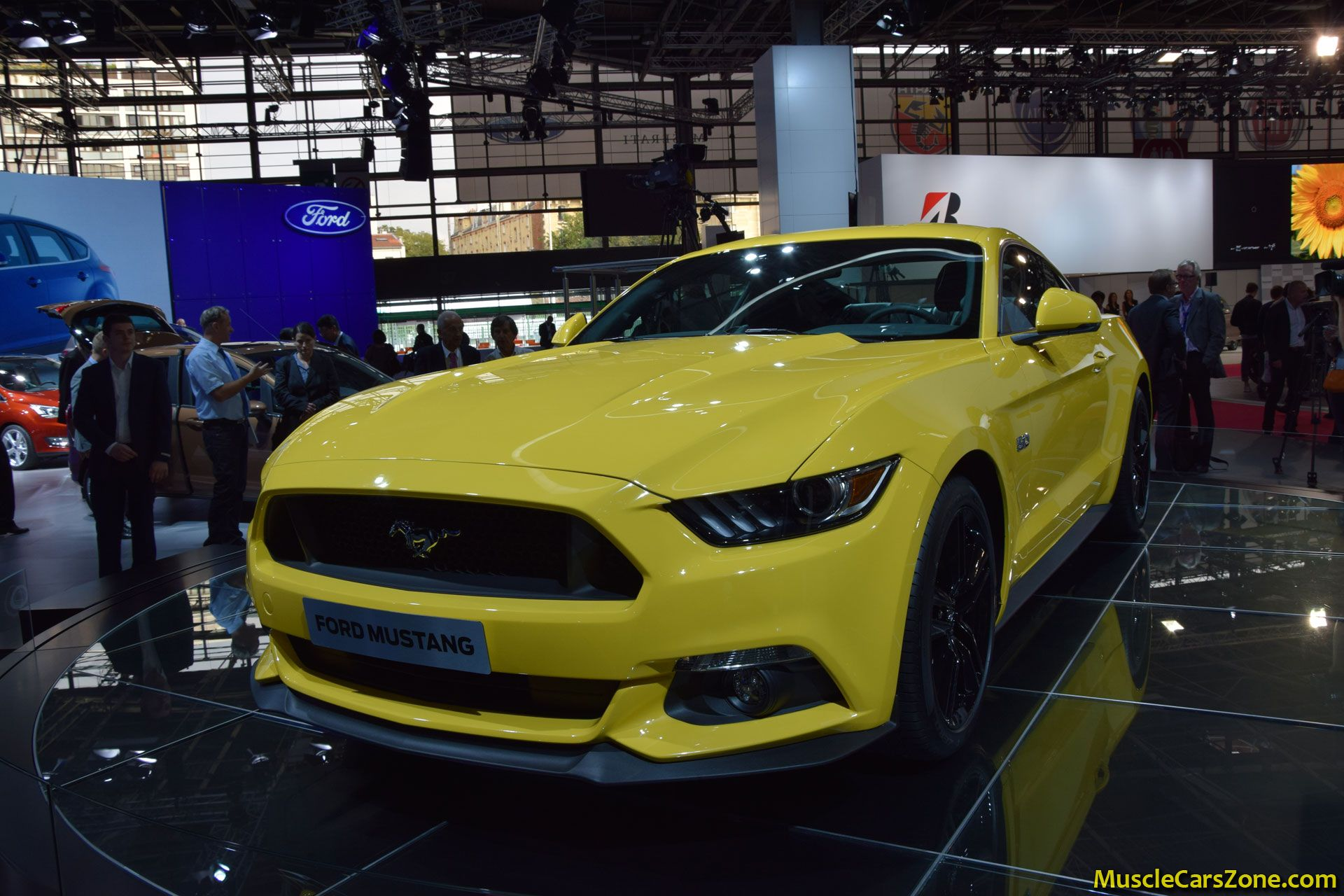 2015 ford mustang 2014 paris motor show 5 muscle cars zone. Black Bedroom Furniture Sets. Home Design Ideas
