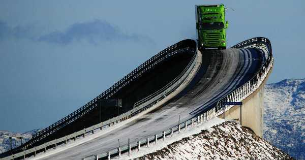 Atlanterhavsveien Dangerous Roads Drifting Rollercoaster Bridge Scandinavia Norway 2