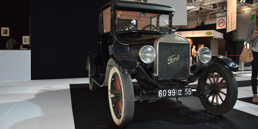COVER 1925 Ford Model T Coupe - Paris Motor Show 2014