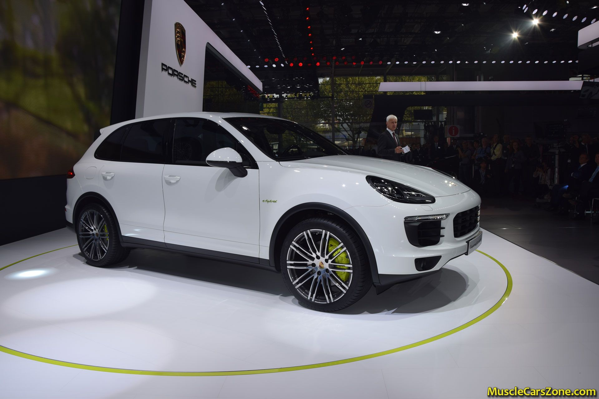 porsche cayenne e hybrid 2014 paris motor show 11 muscle. Black Bedroom Furniture Sets. Home Design Ideas