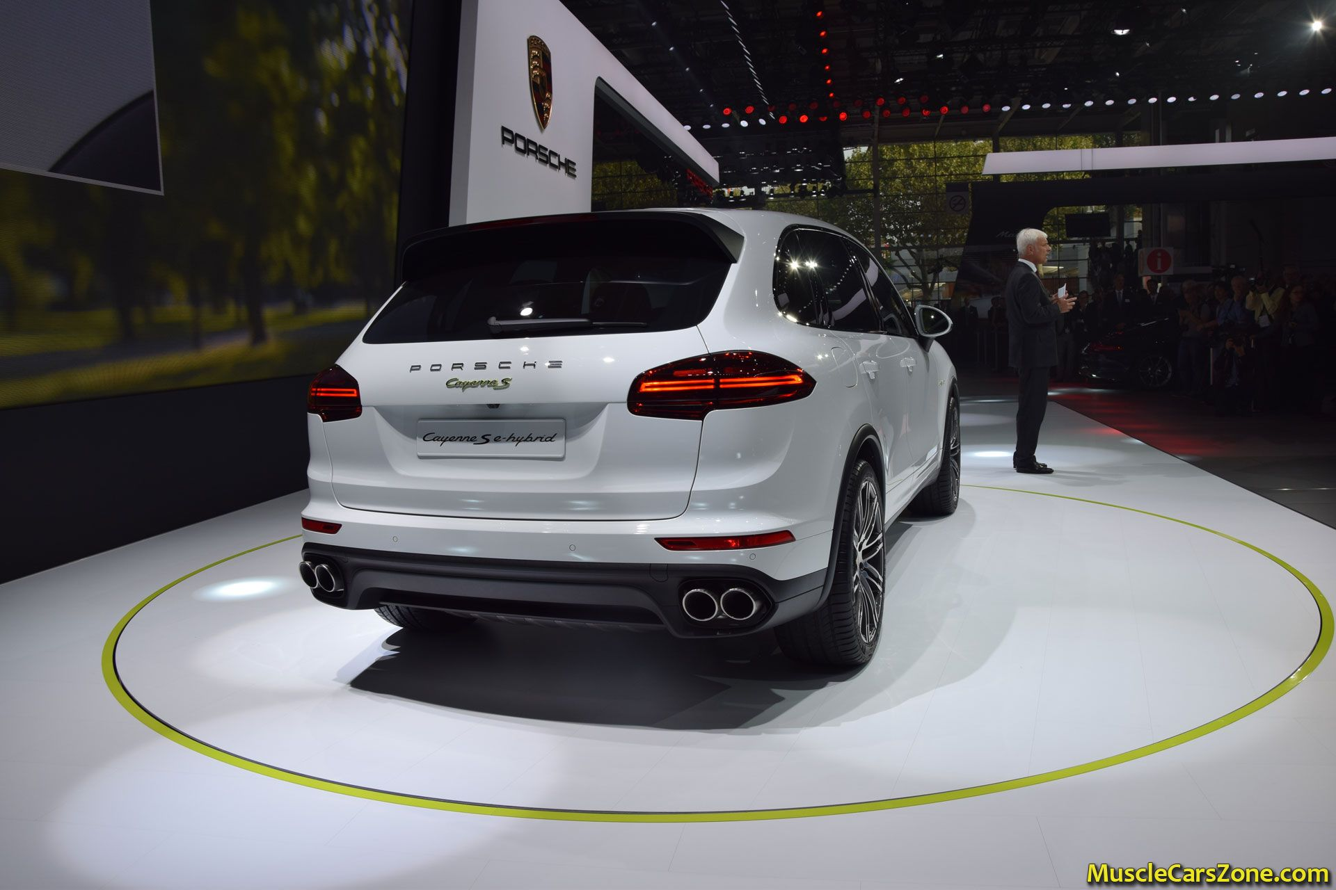 porsche cayenne e hybrid 2014 paris motor show 8 muscle. Black Bedroom Furniture Sets. Home Design Ideas