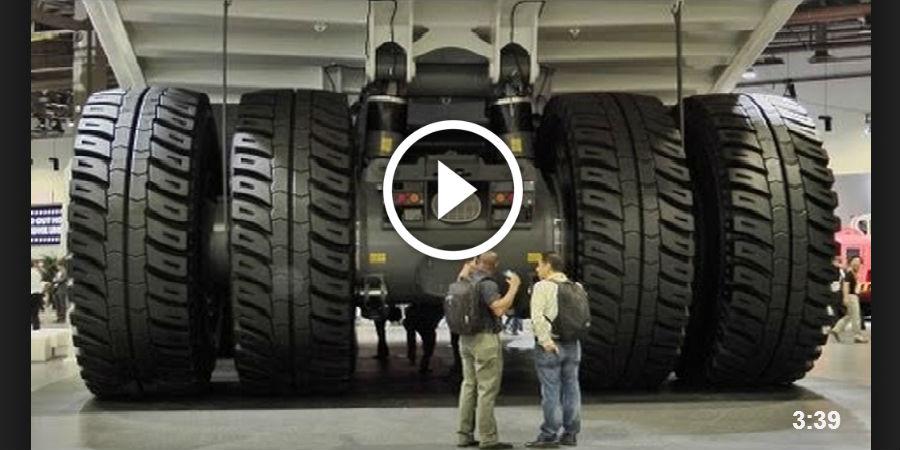 Liebherr T-284 The Largest Dump Truck