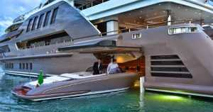 j'ade Yacht Extravagant Interior speed boat 1
