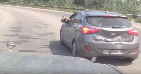 Rude Behind The Wheel Hyundai i30 Truck Hit 2