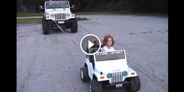 Little Kid Got The Power! With Its POWER WHEEL JEEP It Is Pulling A REAL JEEP 4x4! UNBELIEVABLE!!