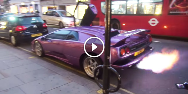 Check Out This Loud And Fire Spitting LAMBORGHINI DIABLO! Simply  Mesmerizing!