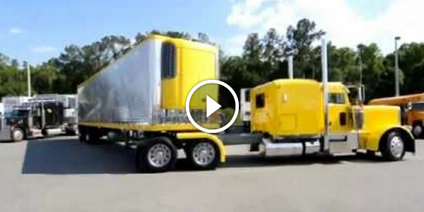 VERY IMPRESSIVE!!! TRUCK Driver PARKS A 53 FOOT TRAILER Into A TINY GAP!!! LIKE A BOSS! 2
