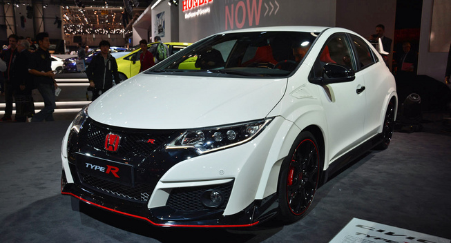 2015-Honda-Press-Conference---Honda-Civic-Type-R-010---2015-Geneva-Motor-Show-