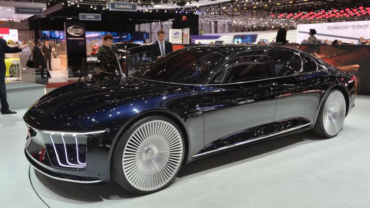 2015-Italdesign-Giugiaro-GEA-Concept-103---2015-Geneva-Motor-Show