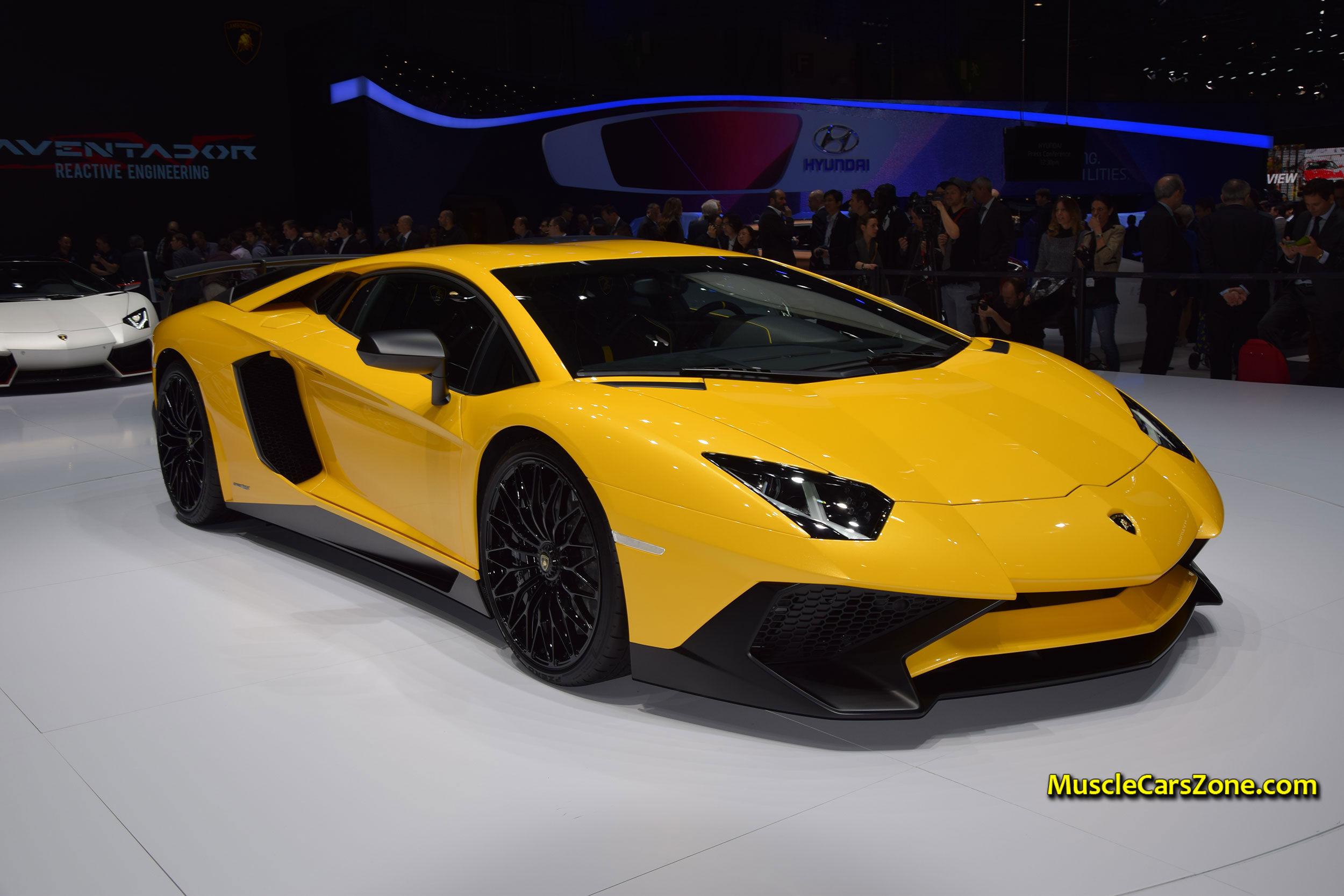 2015-Lamborghini-Press-Conference---2015-Lamborghini-Aventador-Yellow-11---2015-Geneva-Motor-Show-