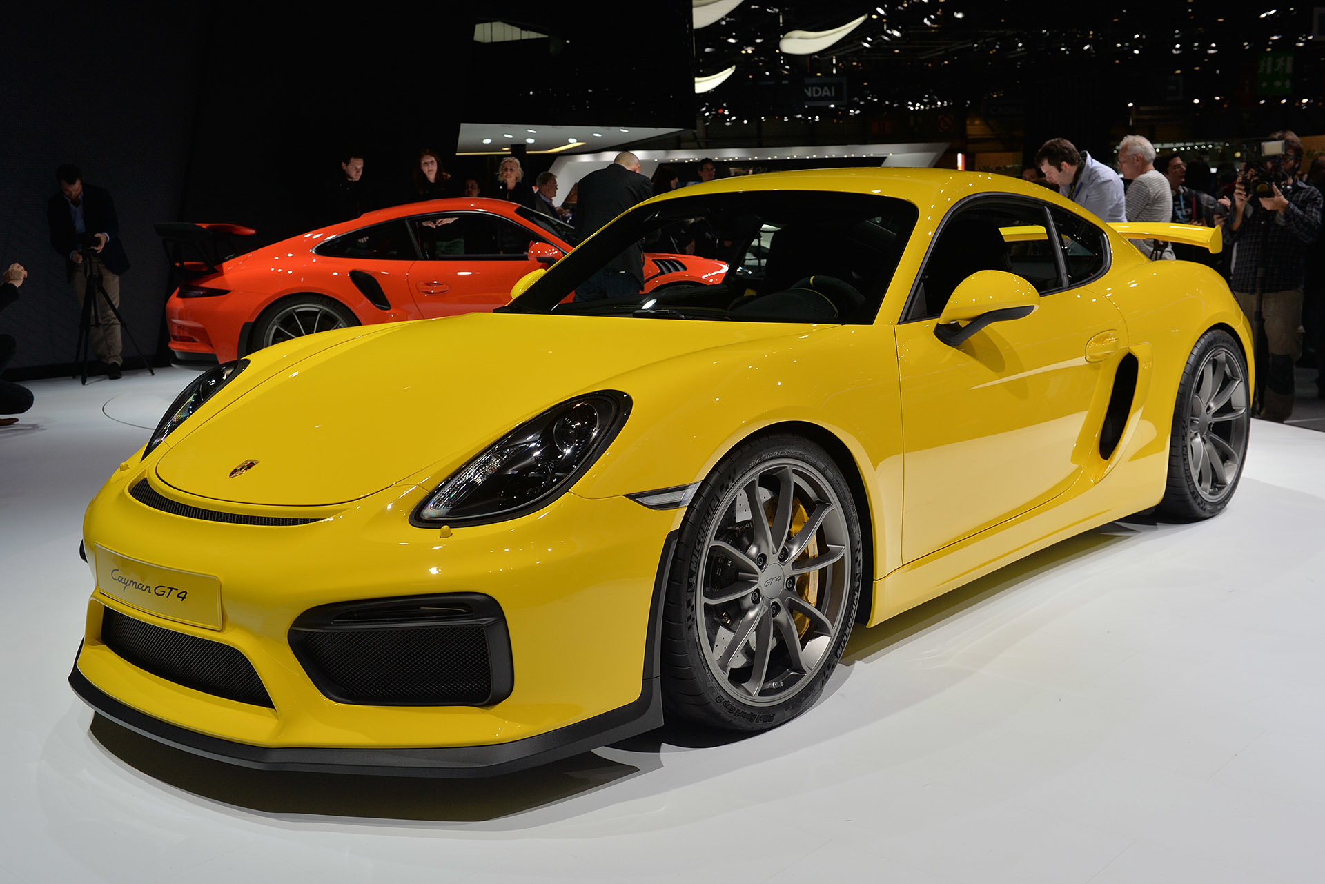 2015-Porsche-Cayman-GT4-05----2015-Geneva-Motor-Show.JPG