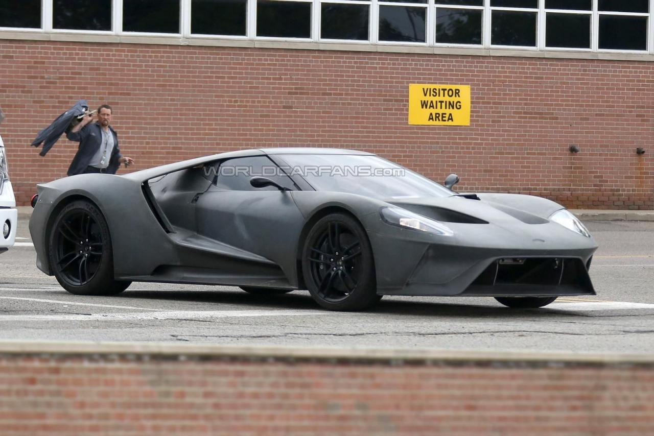 2017 Ford GT spy shots 004