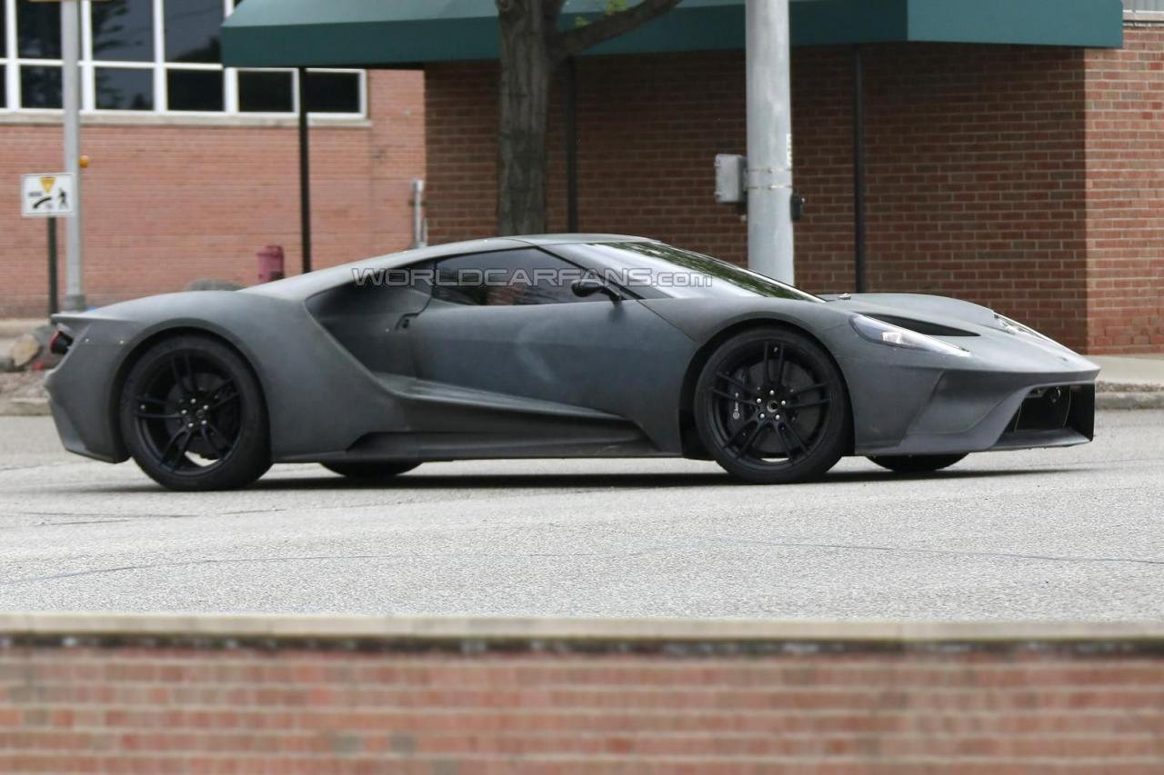 2017 Ford GT spy shots 005