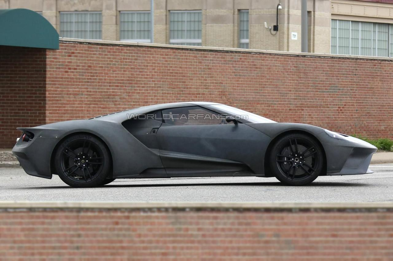 2017 Ford GT spy shots 007