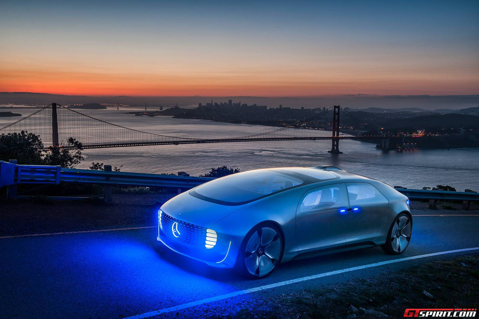 Mercedes-Benz F015 Luxury in Motion Concept 002