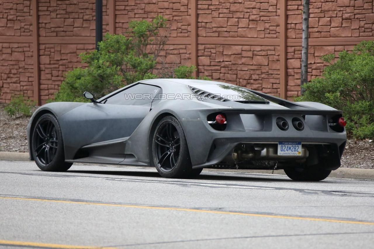 2017 Ford GT spy shots 008