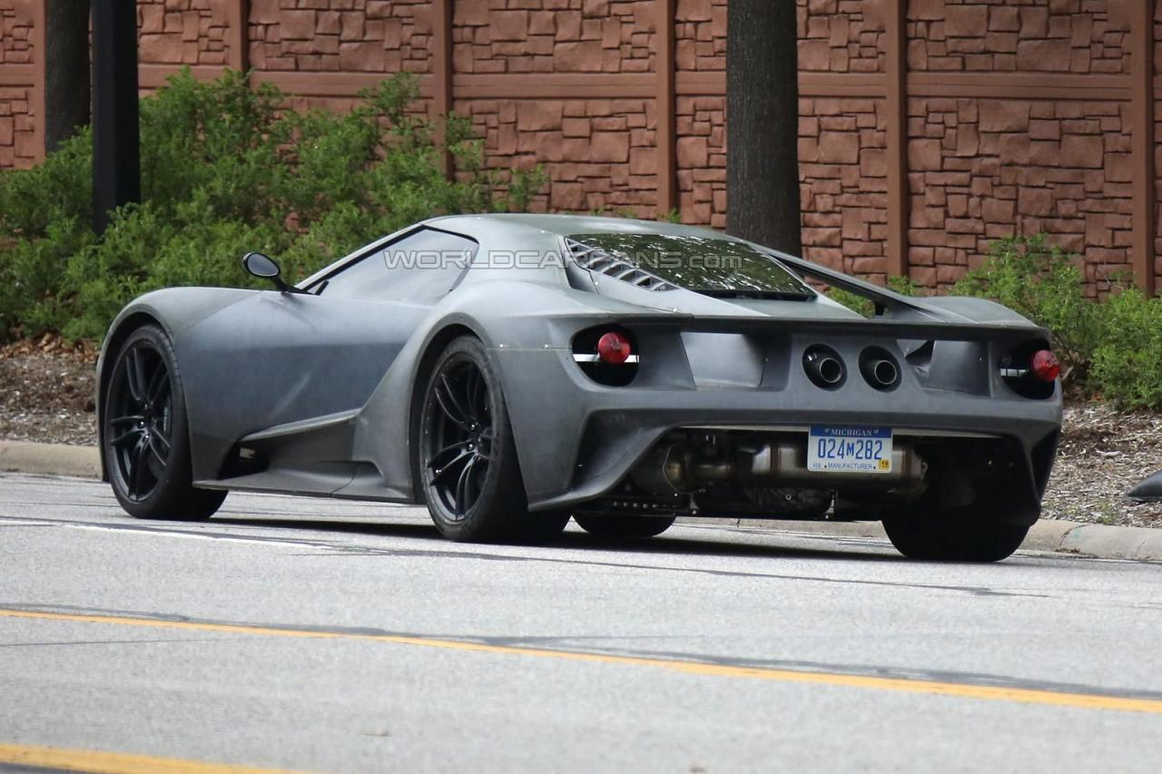 2017 Ford GT spy shots 001