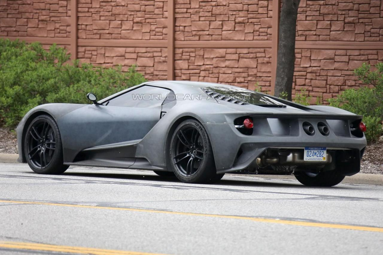 2017 Ford GT spy shots 002