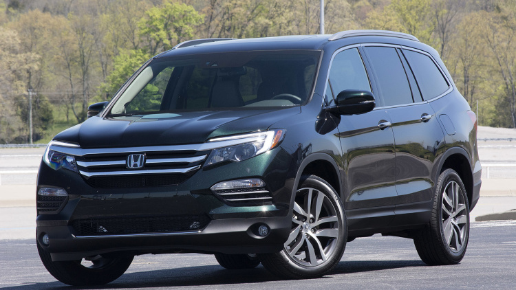 take a seat enjoy the 2016 honda pilot first drive. Black Bedroom Furniture Sets. Home Design Ideas
