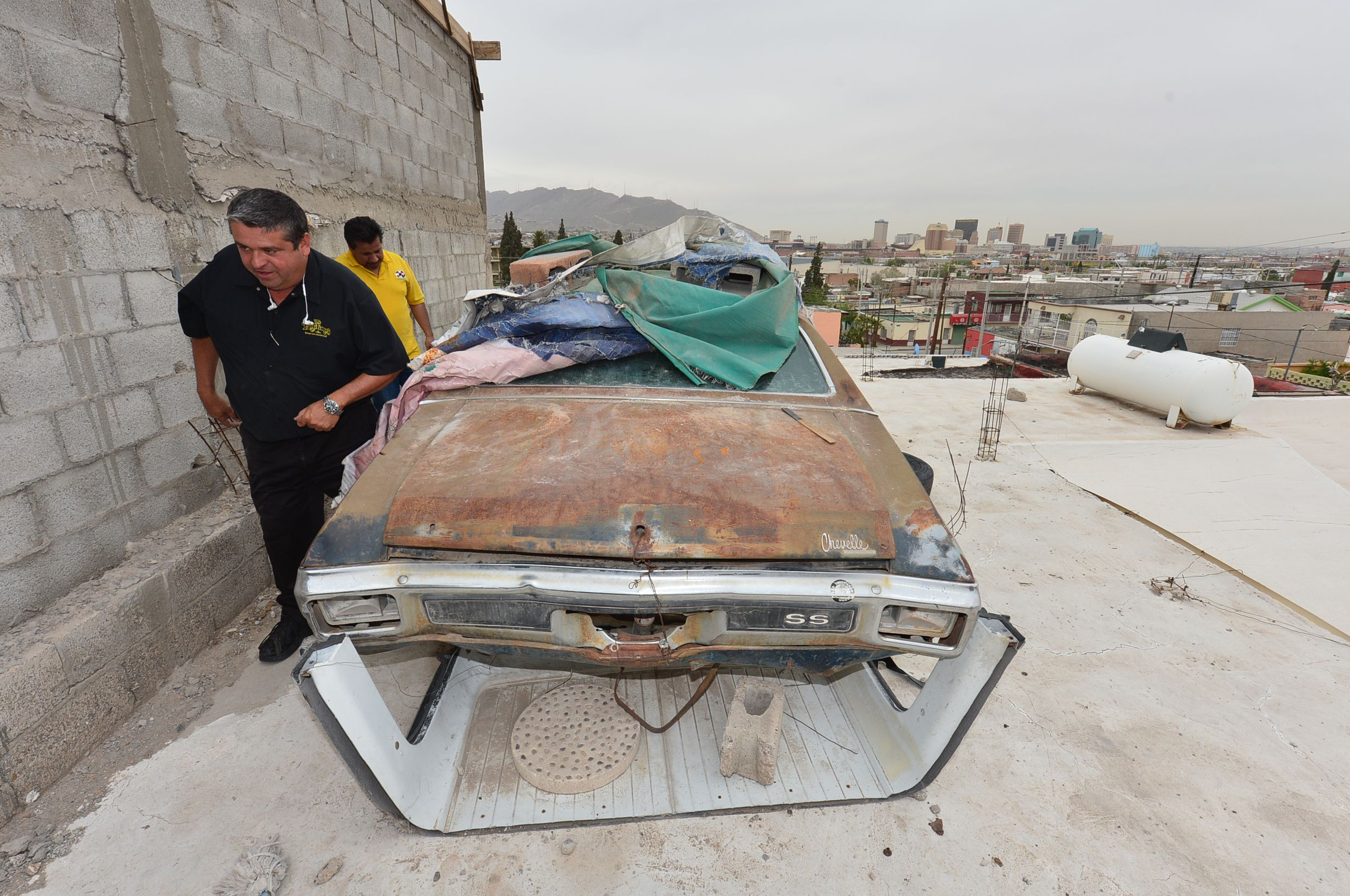 1970 Chevrolet CHEVELLE SS396 Placed On A ROOFTOP In MEXICO 5