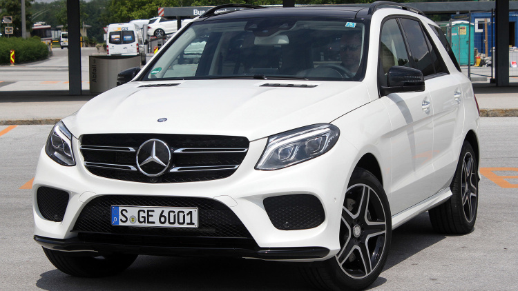 2016 MERCEDES-BENZ GLE-Class SUV COUPE First Drive 3