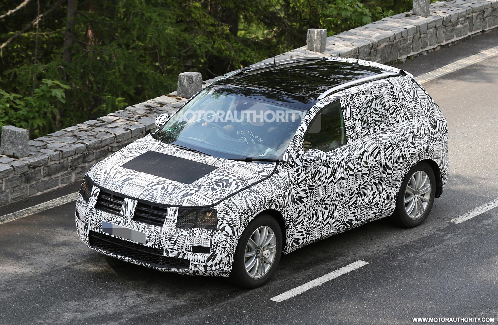 2018 Volkswagen Tiguan Spy Shots 1