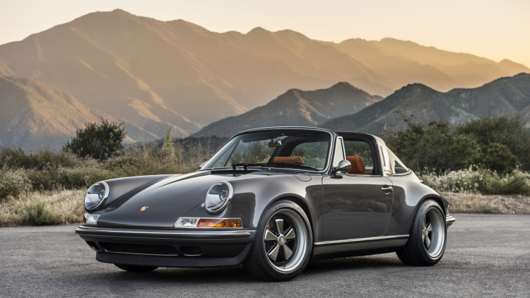 Latest RESTORATION Project Of Singer – The PORSCHE 911 TARGA 1