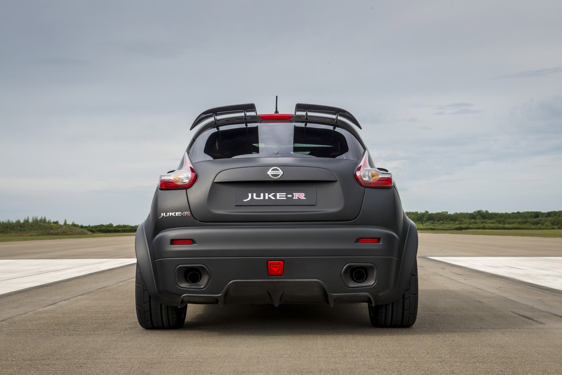 NISSAN Unveiled 600HP Edition Of The Nissan Juke-R 2.0 8