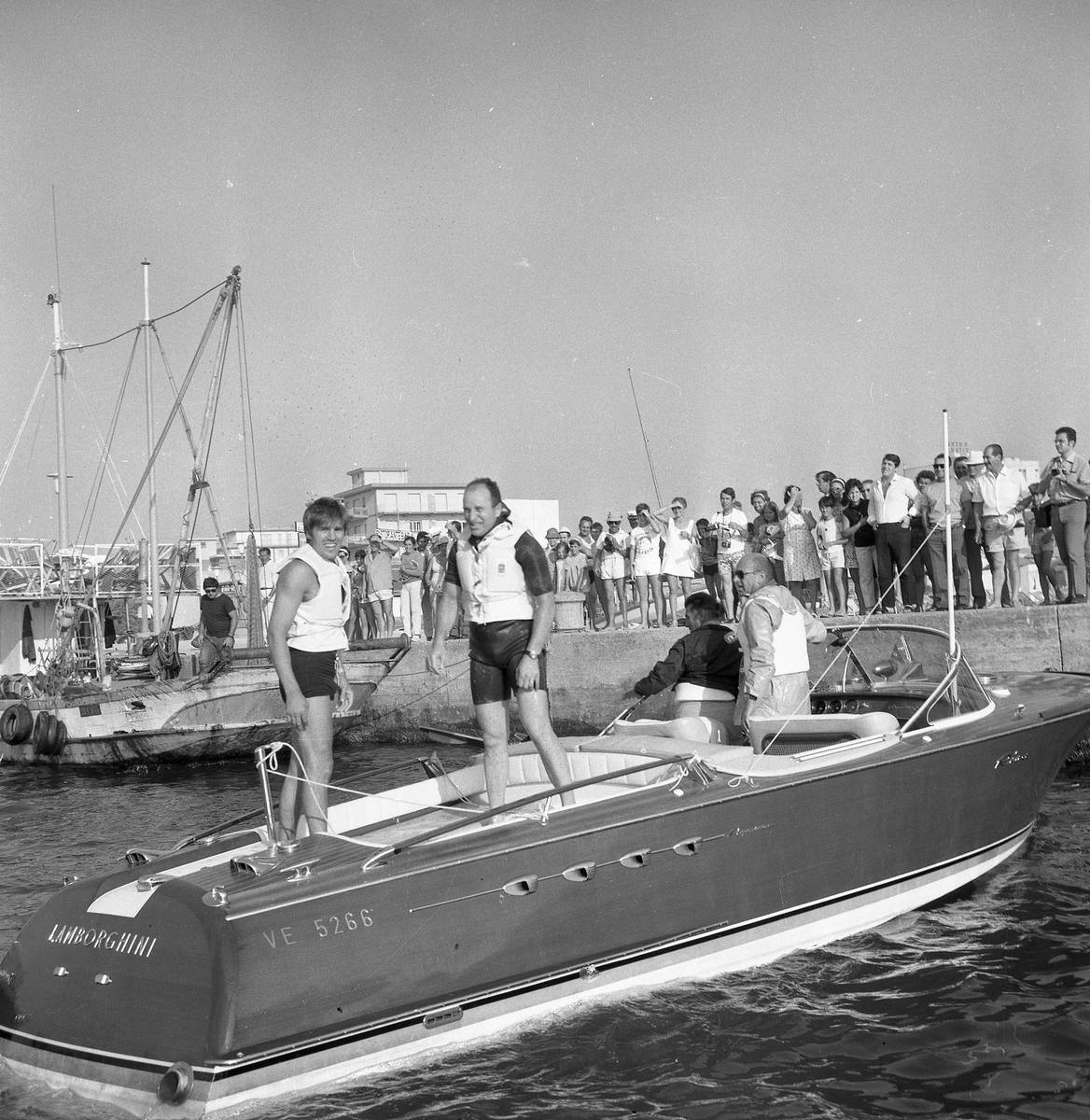 Ferrucio Riva Aquarama Boat Is UP FOR SALE It Features TWO LAMBORGHINI V12 ENGINES 10