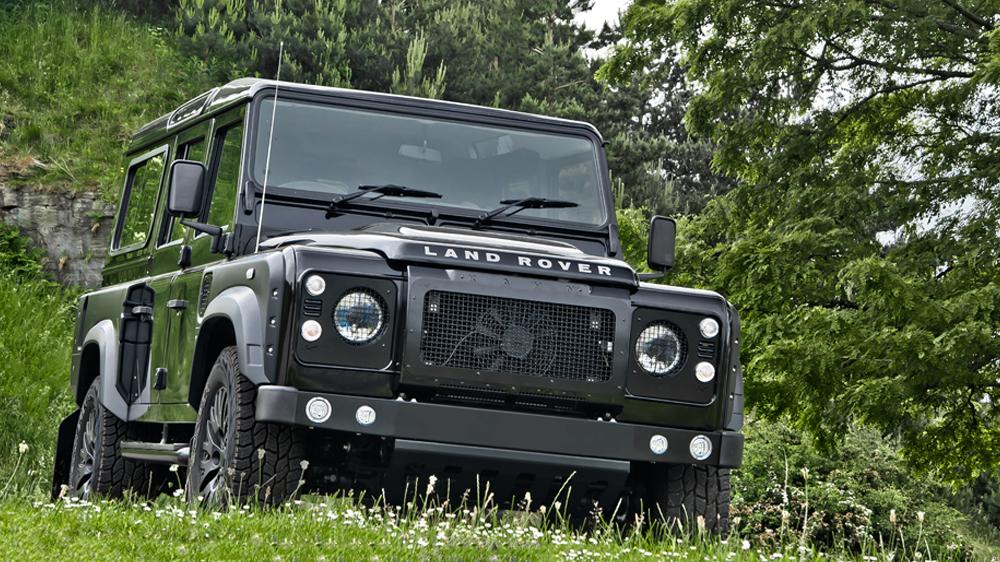 KAHN DESIGN Strikes Again With The SANTORINI BLACK Land Rover DEFENDER 2
