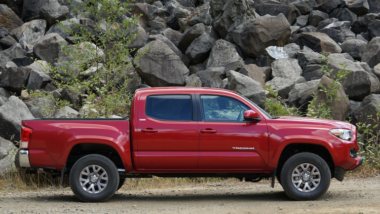 2016 TOYOTA TACOMA Is Just PERFECT For OFF-ROADERS First Drive 4
