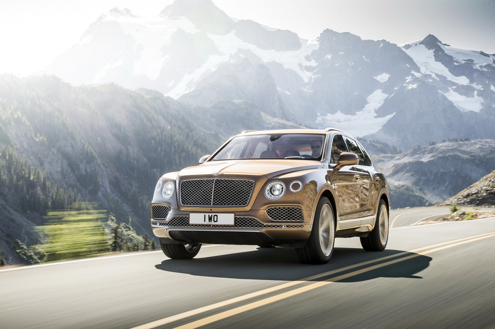 BENTLEY BENTAYGA The FASTEST, MOST POWERFUL & MOST LUXURIOUS SUV In The World 10