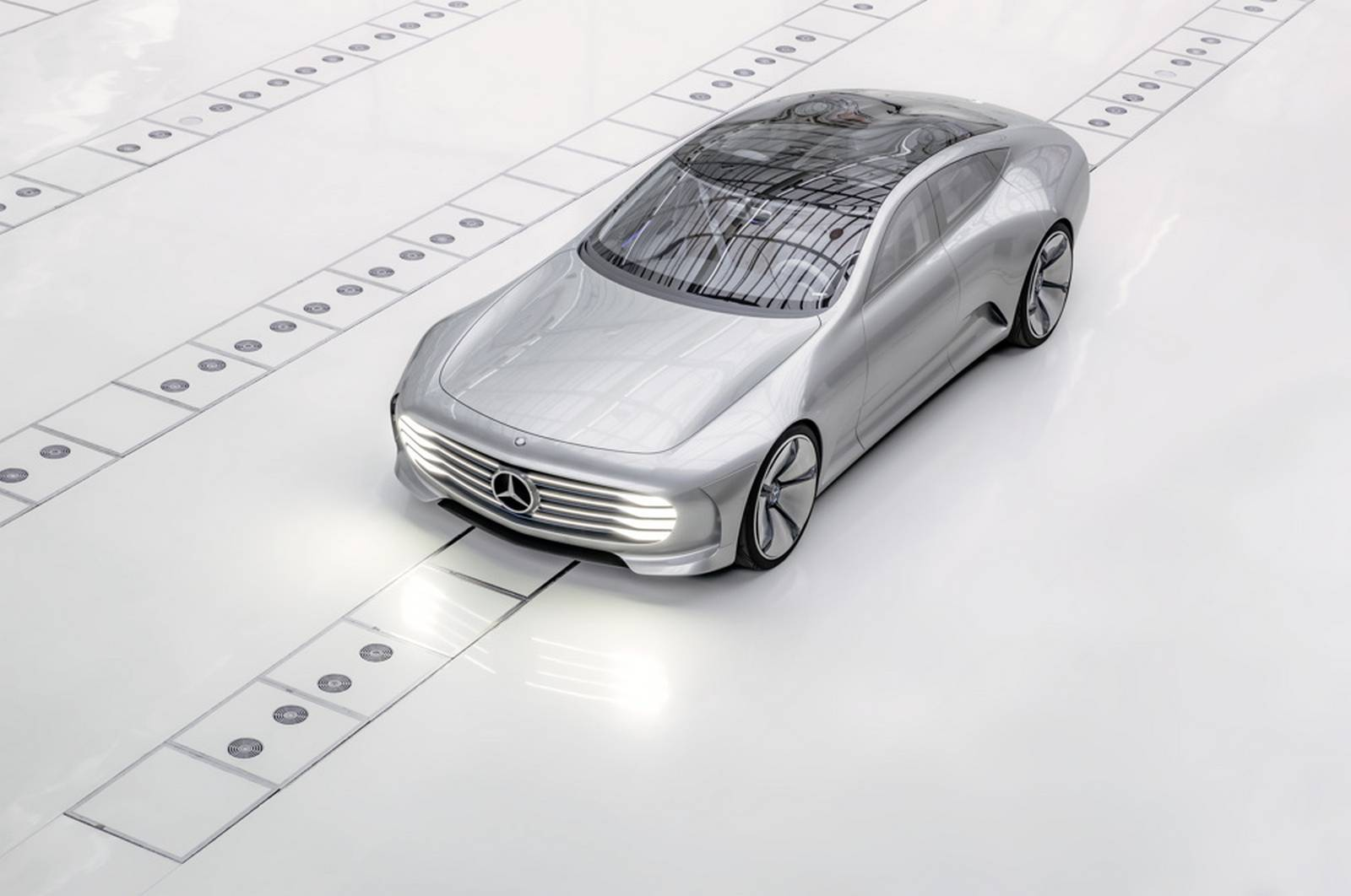 Mercedes-Benz Has Unveiled The IAA Concept As A Direct Competition Of The Tesla Model S 11