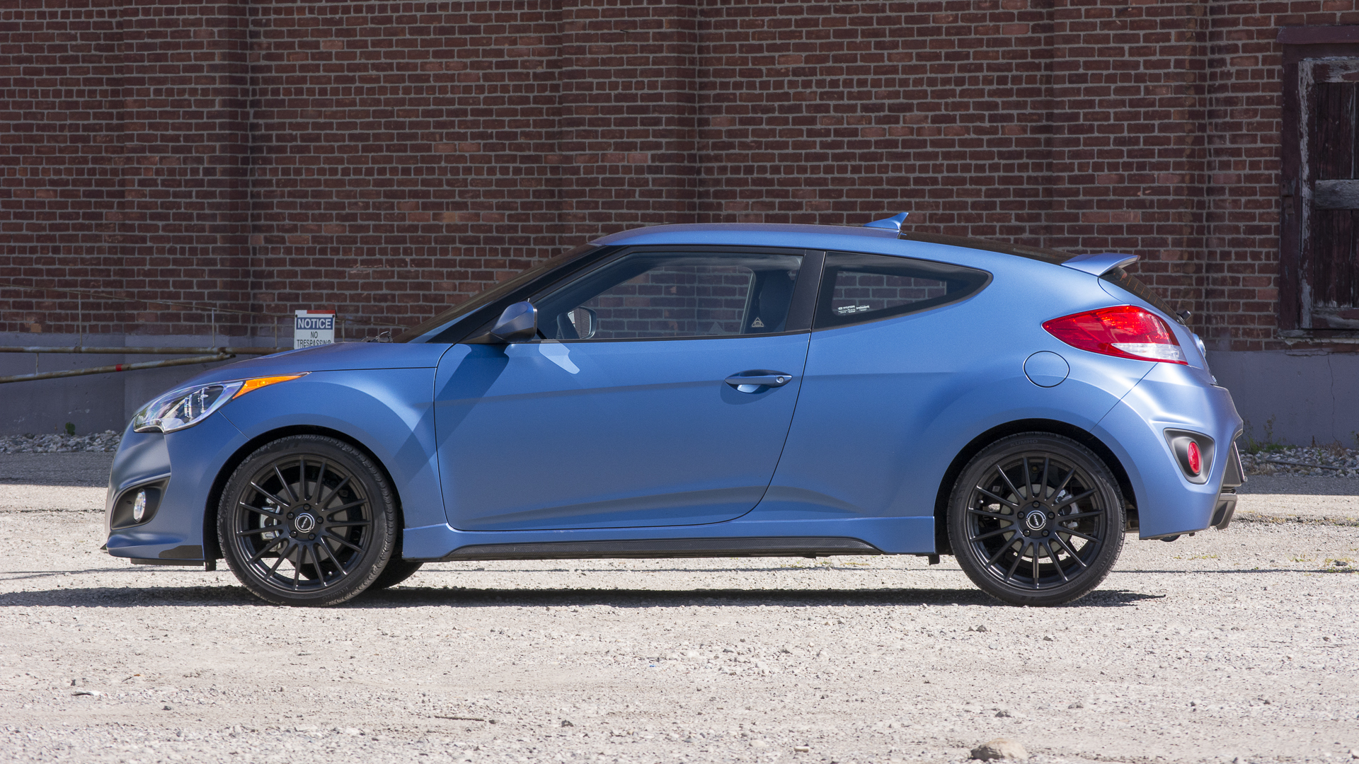 check out the new 2016 rally edition of the hyundai veloster turbo. Black Bedroom Furniture Sets. Home Design Ideas