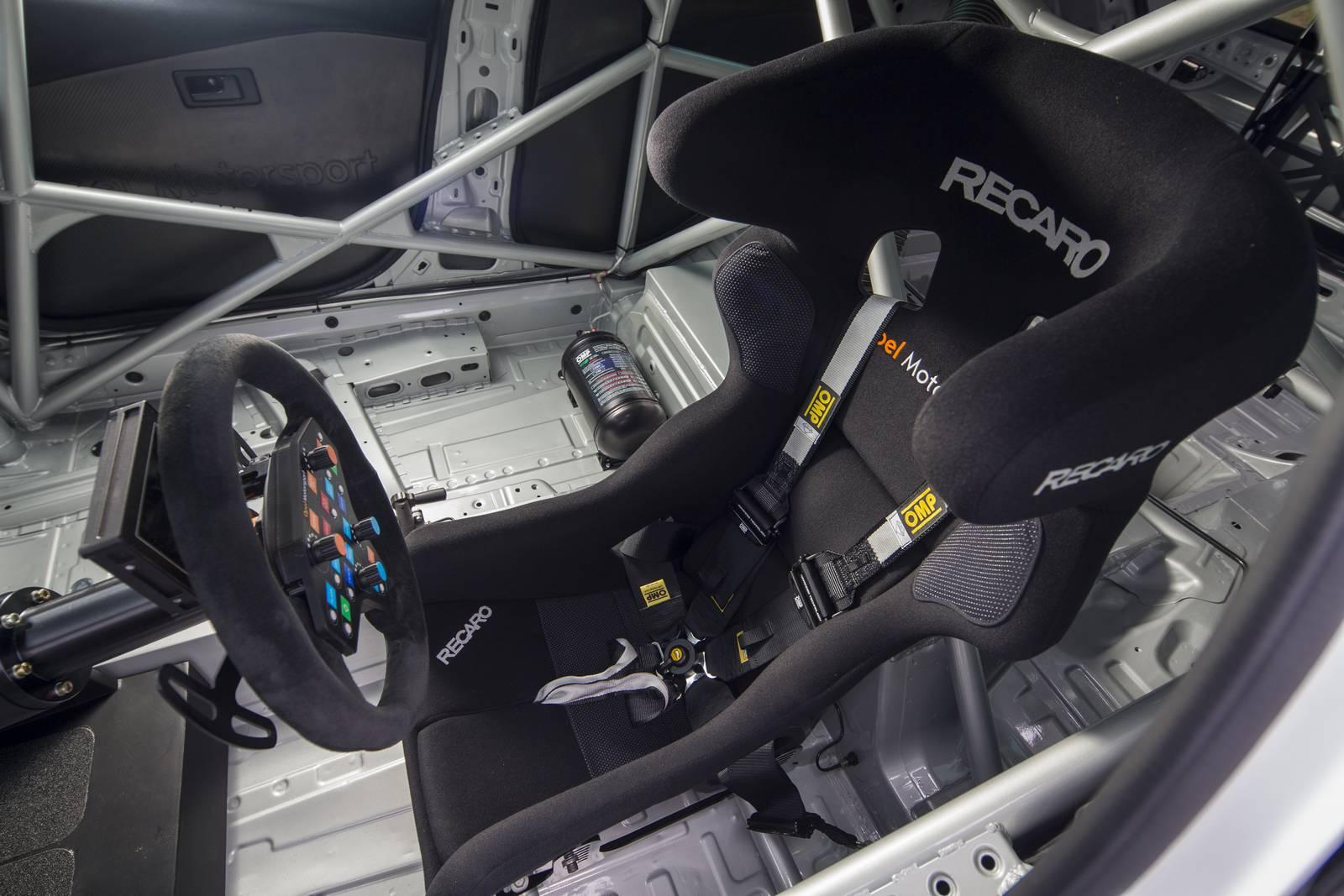 Aerodynamic Racer 2016 Opel Astra TCR 2