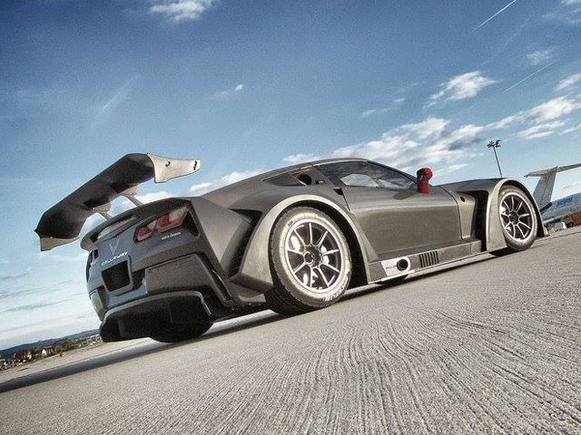 Corvette C7 GT3-R By Callaway Is Almost 100 Carbon Fiber 1