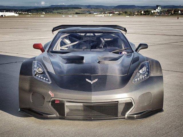 Corvette C7 GT3-R By Callaway Is Almost 100 Carbon Fiber 2