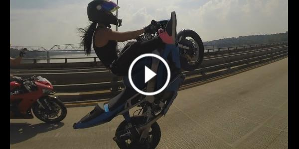 Girl Performs HIGHWAY WHEELIES With Her Motorcycle - KAWASAKI Ninja ZX 636 ZX6R 223