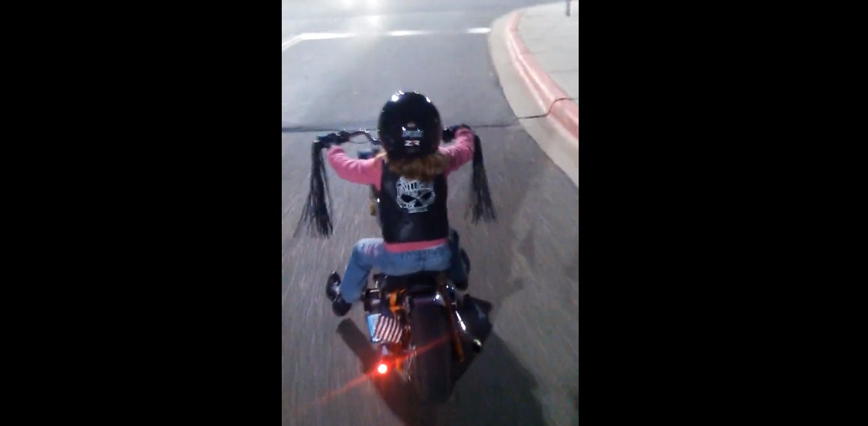 LITTLE BIKERS! 6 Year Old Lady Riding A Mini CHOPPER