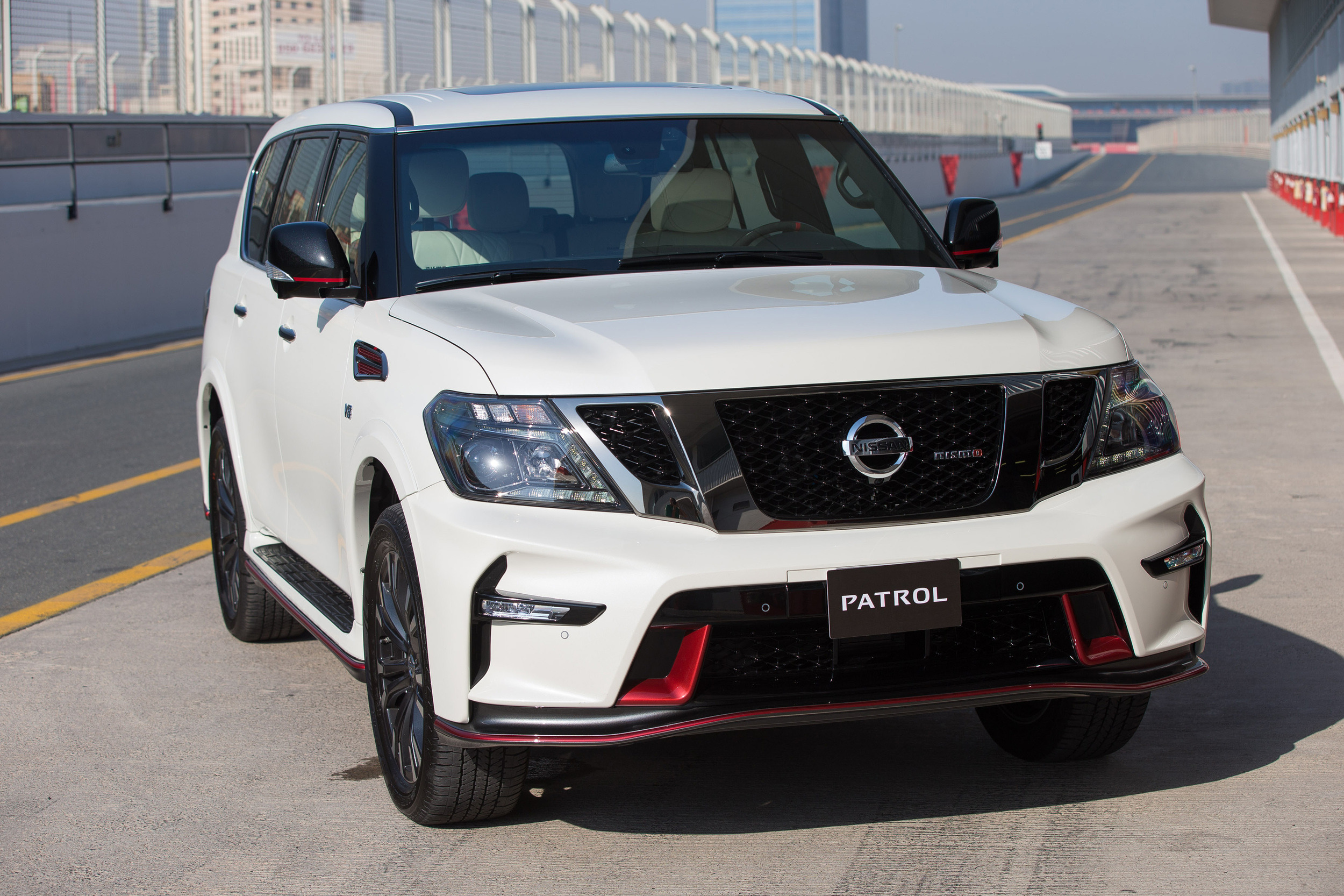 new performance suv nissan patrol nismo 3 muscle cars zone. Black Bedroom Furniture Sets. Home Design Ideas