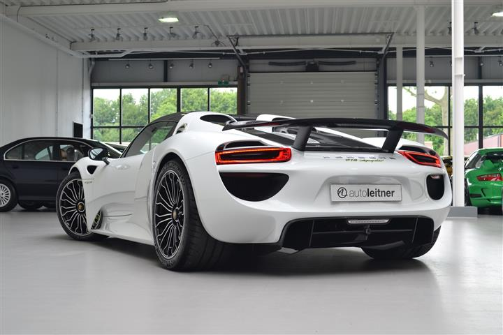 18 million porsche 918 spyder is looking for an owner in the netherlands this automobile will make his new owner very happy