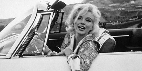 STARS & CARS! Take A Look At These Amazing Images From 20th Century Celebrities 31