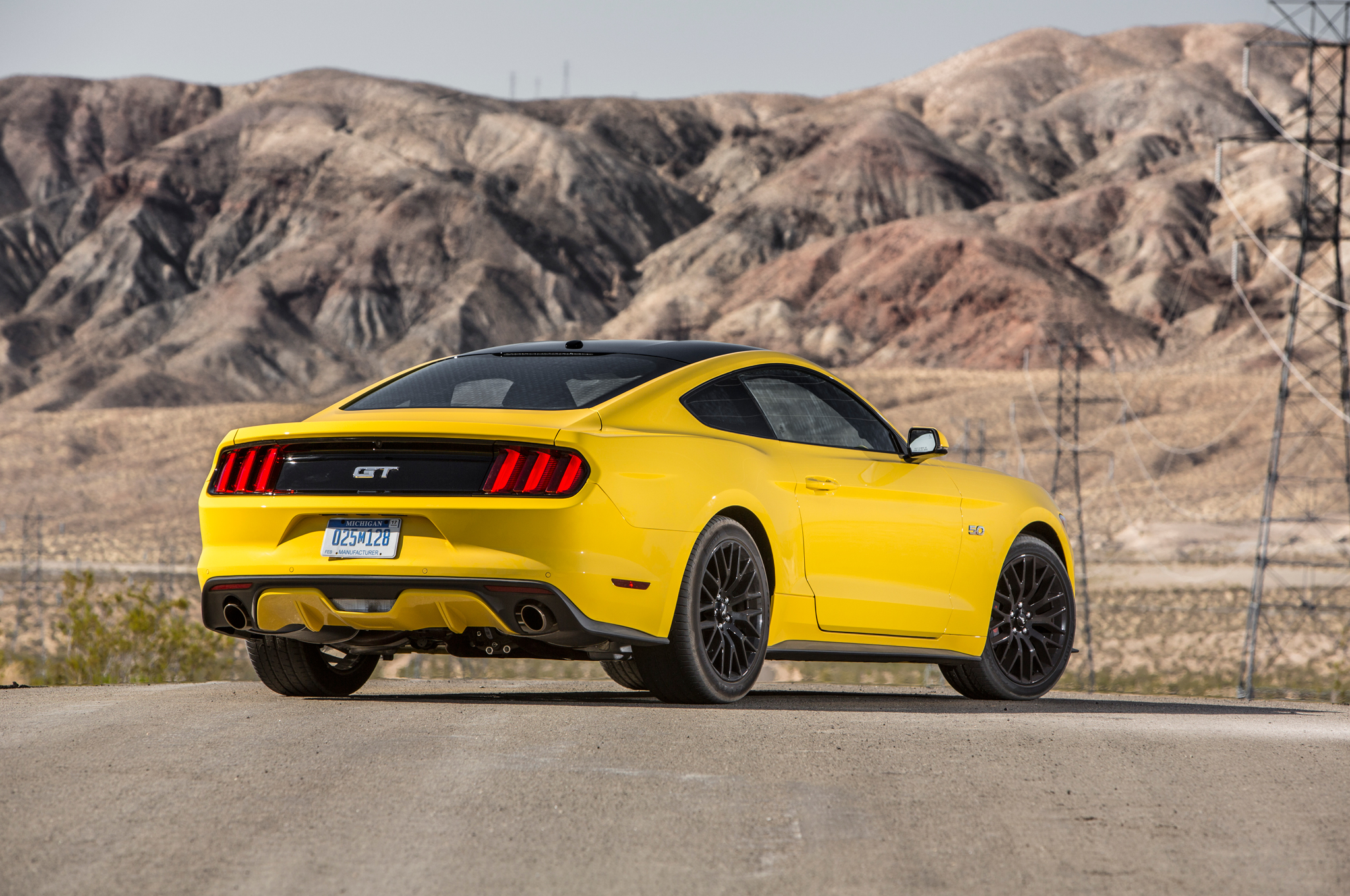 stunning yellow 2016 ford mustang gt 9 muscle cars zone. Black Bedroom Furniture Sets. Home Design Ideas
