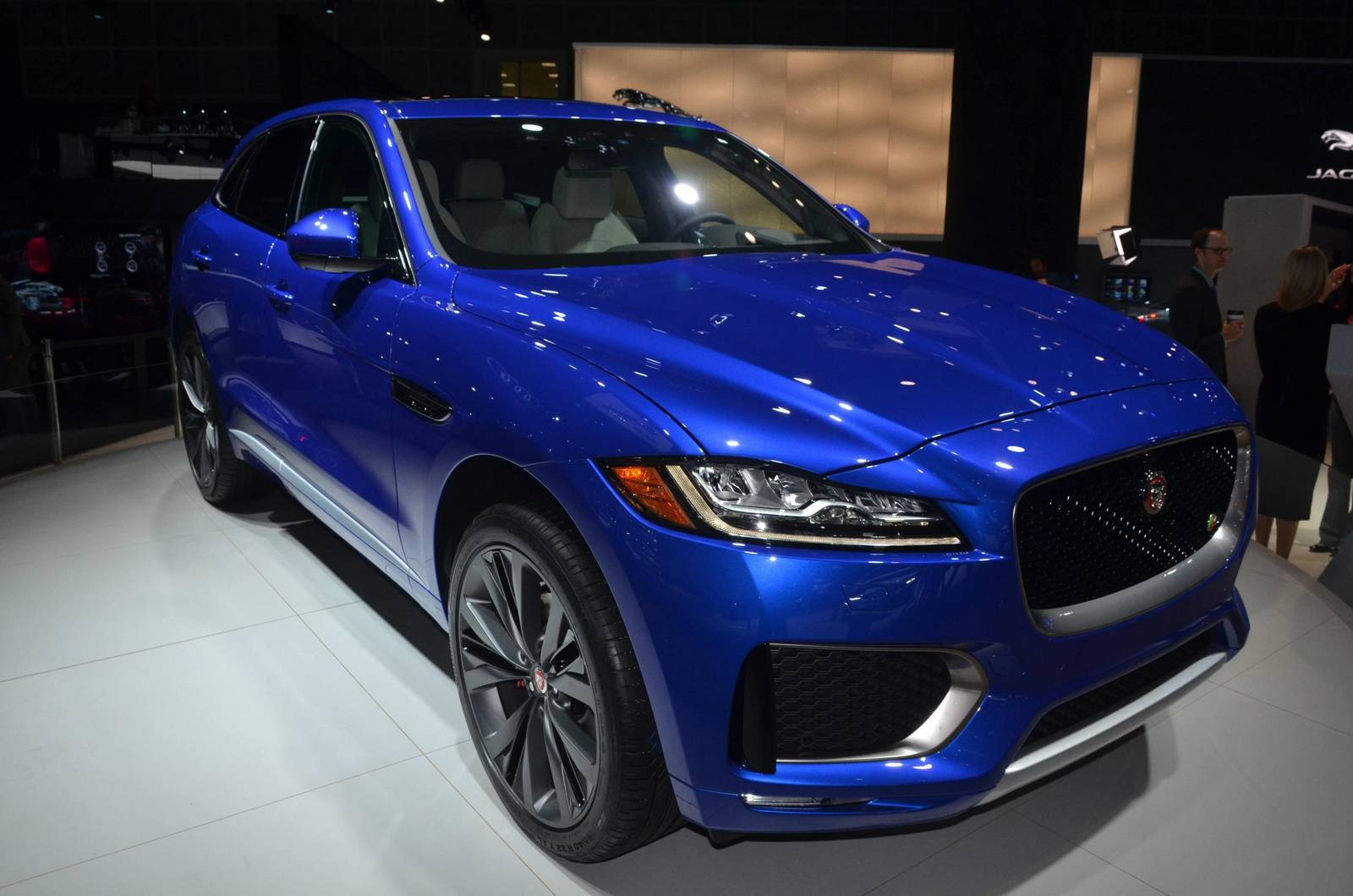 3 Powertrain Models Of Jaguar F-Pace 7
