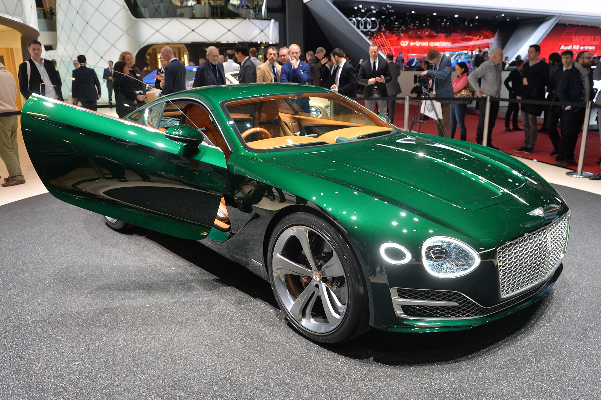 Bentley exp 10 speed 6 geneva 2