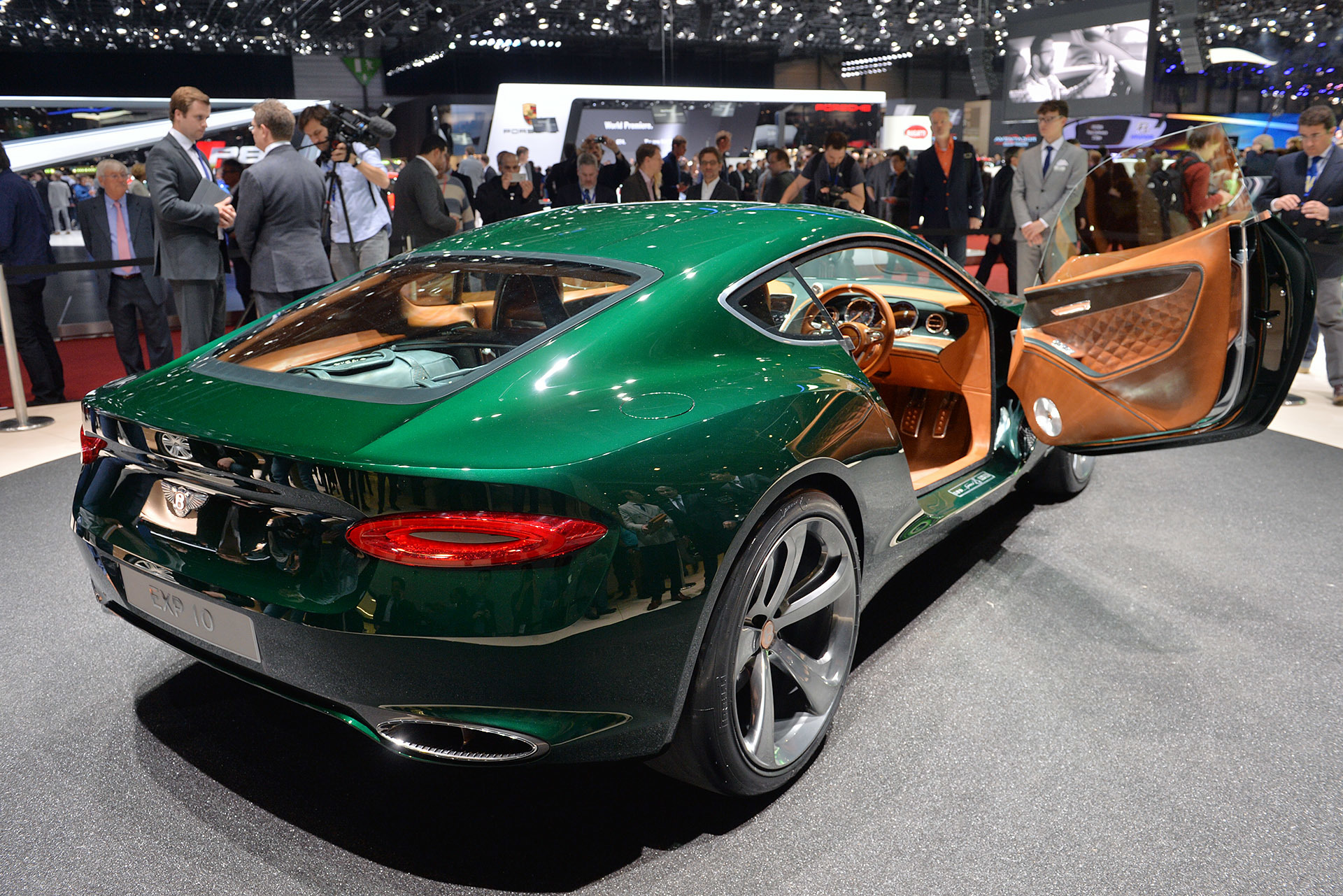 Bentley exp 10 speed 6 geneva 3