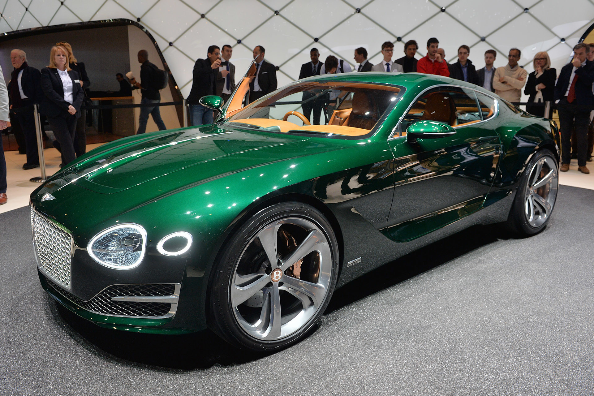 Bentley exp 10 speed 6 geneva cover