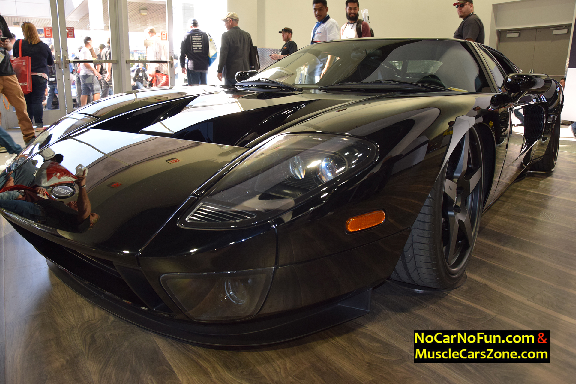 Musclecarszone 2015 sema show walkaround videos photos for Garage ford paris 11